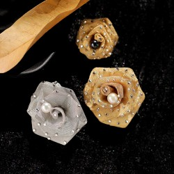 西凉妃子 蕾丝玫瑰花朵天然淡水珍珠胸针胸花外套别针优雅大气小香风 X1186