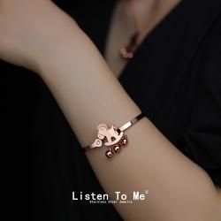 Listen To Me 饰品小马手镯玫瑰金钛钢木马铃铛手环工厂批发抖音同款 LT3001-69